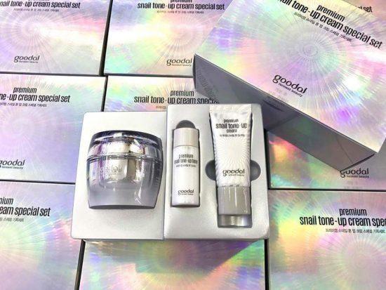 Set Kem Ốc Sên Dưỡng Trắng Da - Goodal Premium Snail Tone Up Cream
